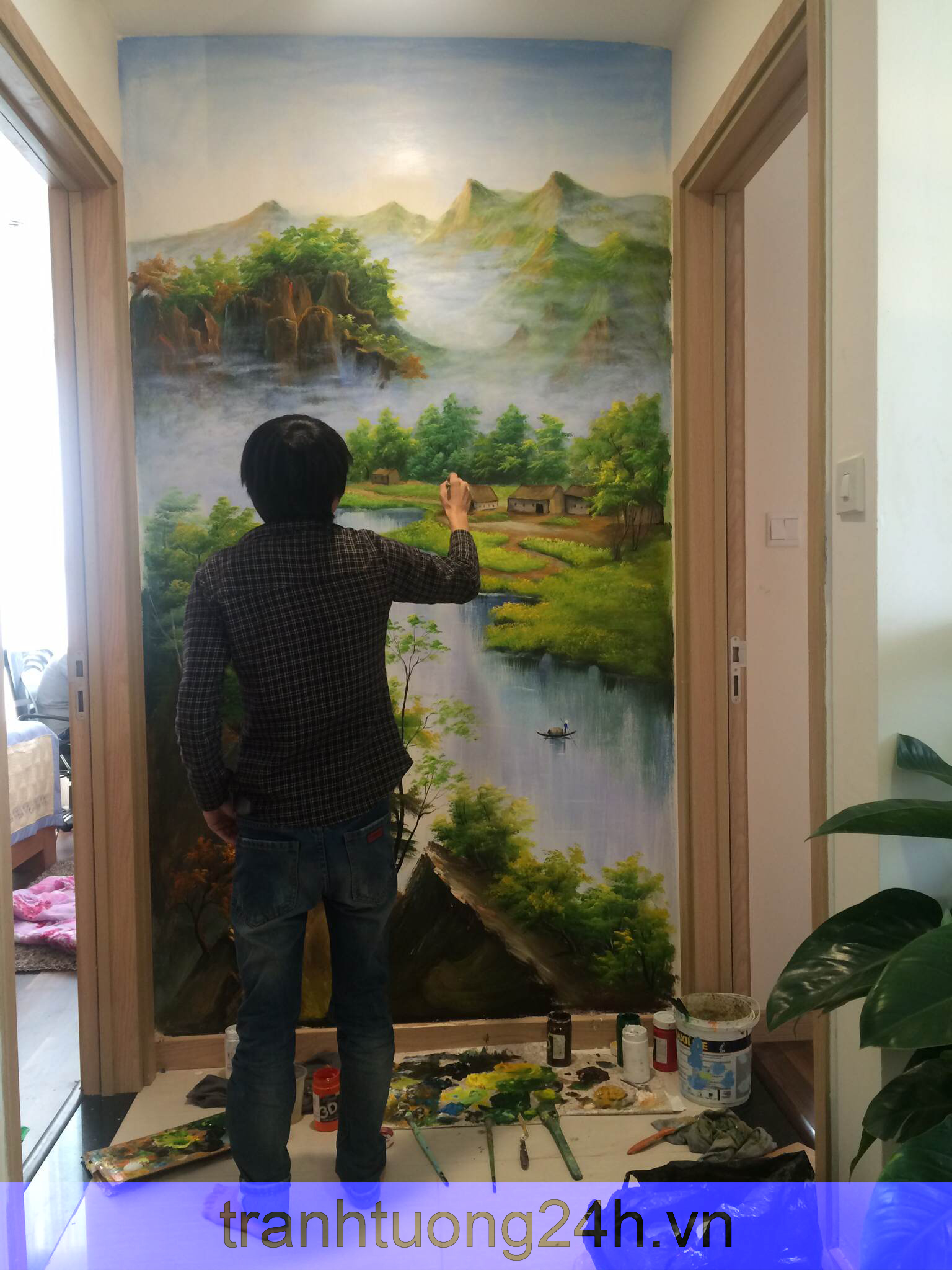 Vẽ tranh tường nhà Anh Đức